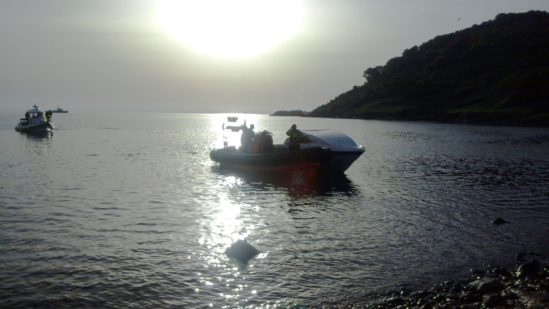 Boarder-Crossing-Boat,-with-Frontex-and-Seawatch