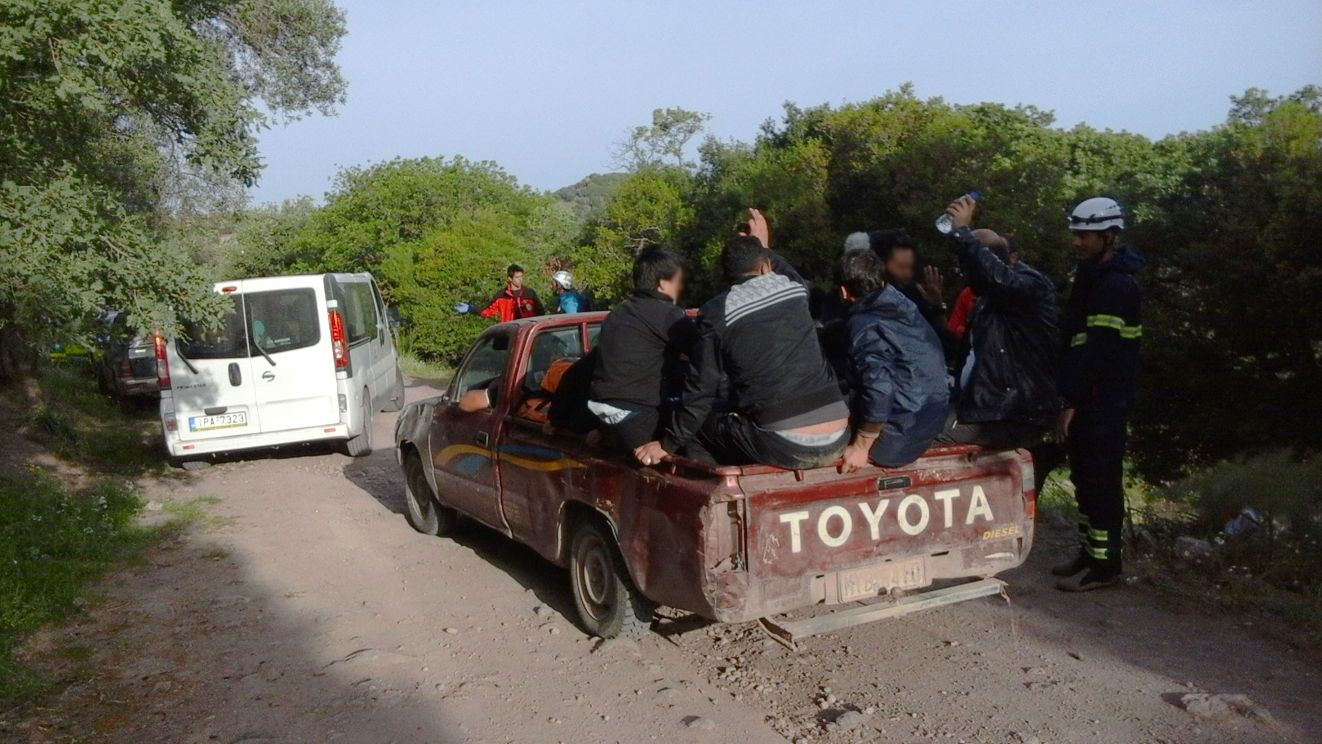 Refugees-and-Migrants-in-a-farmers-truck
